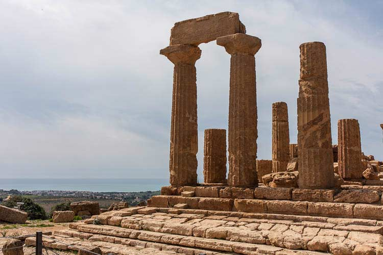 agrigento temple picture