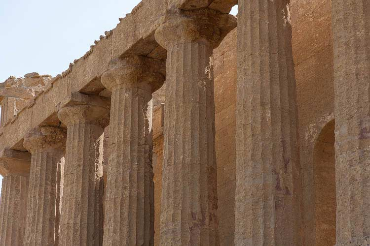 agrigento columns picture