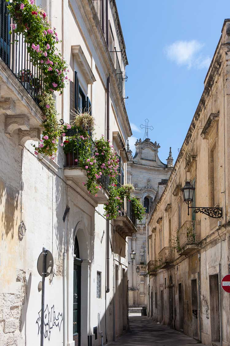 lecce street view
