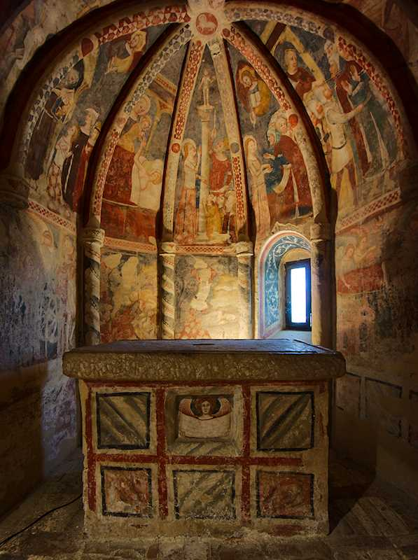 Maria della Rocca frescos